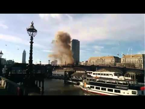 "Bus exploding in London center for a Jackie Chan movie ""The Foreigner"""