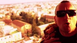 Смотреть клип Club Dogo Feat. Terron Fabio Ne' Fama Ne' Soldi
