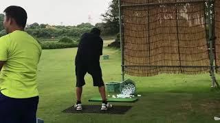 尾崎将司プロ  セブンドリーマーズさんと打ち合わせ。ゴルフ練習風景/宮崎プロ久々のマンツーマンレッスン thumbnail