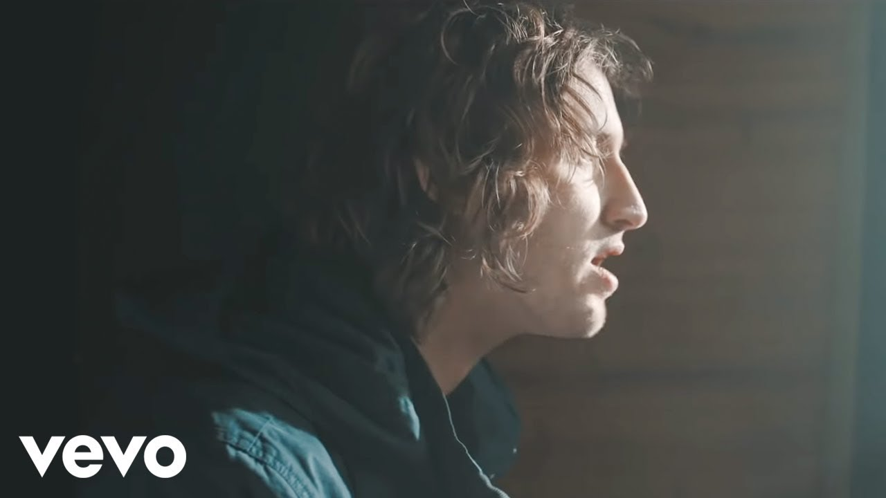 Dean Lewis - Waves (Official Video)