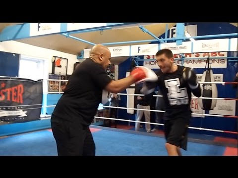 EXPLOSIVE SELBY! WORLD CHAMPION LEE SELBY SMASHES PADS W/ TRAINER TONY BORG AS HE GETS SET FOR VEGAS