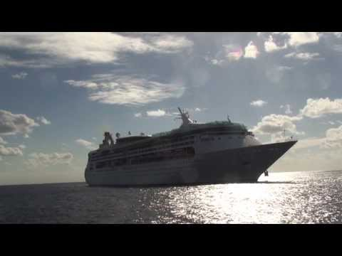 Grandeur of the Seas: Grand Cayman (Arrival & Departure with Carnival Liberty and Norwegian Pearl)