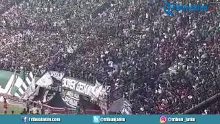 Kericuhan terjadi di Tribun Penonton Pendukung Persebaya saat Laga Persebaya Melawan Madura United