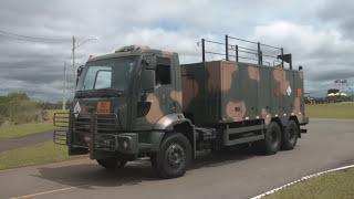 Baixar Desfile de Viaturas do Exército Brasileiro - Leopard, Gepard, M108-109, M113
