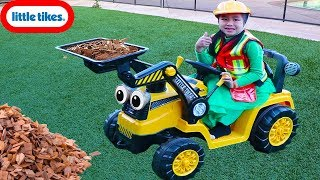 Download Jannie Pretend Play with Little Tikes Dirt Digger Mp3 and Videos