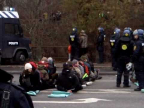 Mass arrests at COP15, sunday 13 dec. Copenhagen, Denmark.