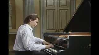 Ivo Pogorelich - Haydn - Piano Sonata No 31 in A-flat major, Hob XVI-46
