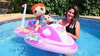 Havuz Oyunu! Ayşe Oyuncaklarla Havuzda Keyif Yapıyor! Çocuk Videoları