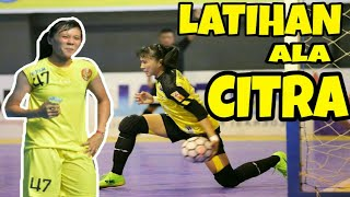 Download Video LATIHAN KIPER FUTSAL ALA CITRA ADISTI (KIPER TIMNAS FUTSAL PUTRI) MP3 3GP MP4