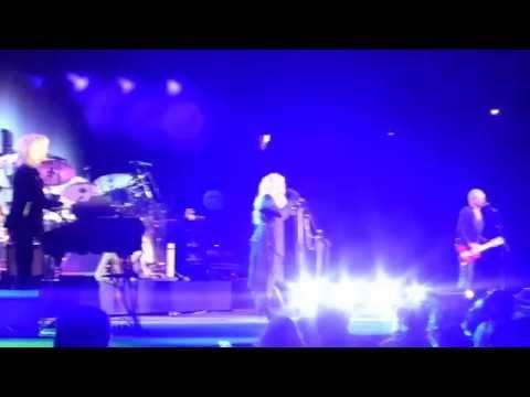 "Fleetwood Mac""Dreams"" Live Toronto February 3 2015"