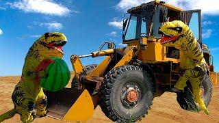 Трактор сломался Весёлый малыш приехал на помощь и поймал динозавра в Тракторе. Экскаватор для детей