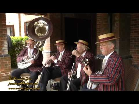 """""""Algiers Strut"""" played by a traditional Jazz Band"""