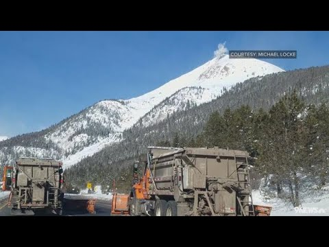 Triggered avalanche strands Colorado drivers for hours