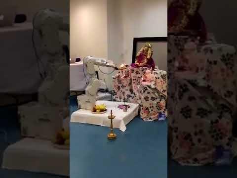 Robotic Ganesh aarti | Robo gives Aarti to Lord Ganesha