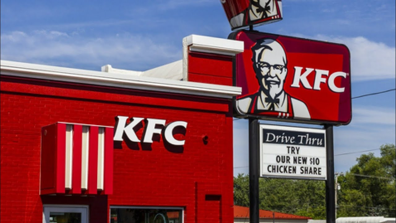Download Woman fires shots in KFC DRIVE THRU window because she didn't get forks or napkins