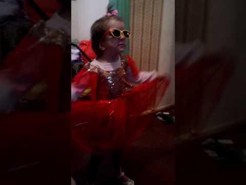 Зажигательный танец Анны