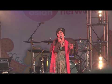Harshdeep Kaur Sings Madam Noor Jehan's 'Kehnde Ne Naina