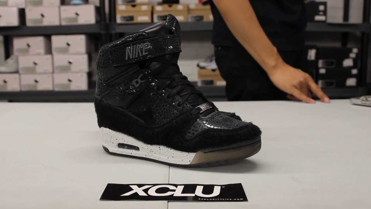 4fc7f3341b6d2 Woman s Nike Revolution Sky High PRM QS City Pack