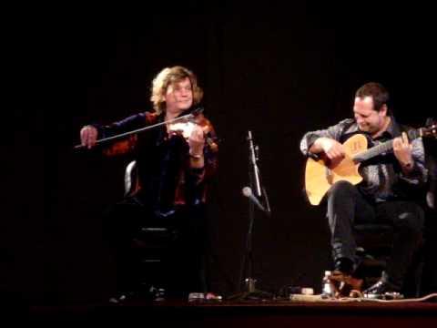Alex DePue and Miguel DeHoyos playing Dueling Banjos