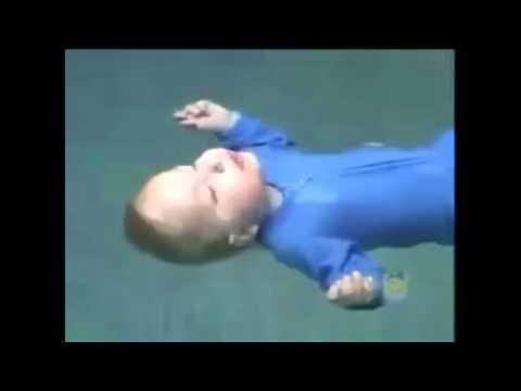 OBAT PENYAKIT KULIT MUJARAB: Bayi Terjun dan Mengambang di Kolam Renang