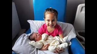 Super Adorable Moment When Big Sisters Meet Newborn Baby For The First Time
