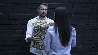 видео Какой букет подарить девушке: количество цветов и цвет букета