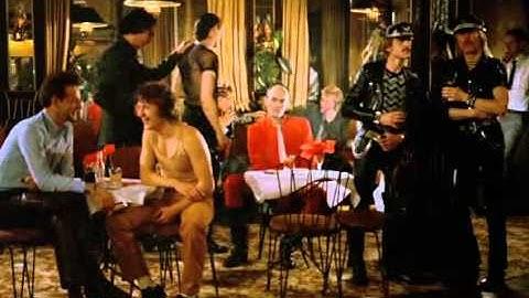 Die flambierte Frau (1983) Dancing Scene (New Wave)