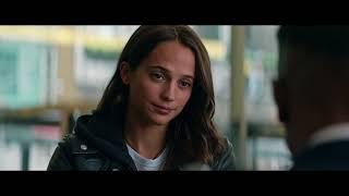 Lara Croft being sassy in Tomb Raider (2018)