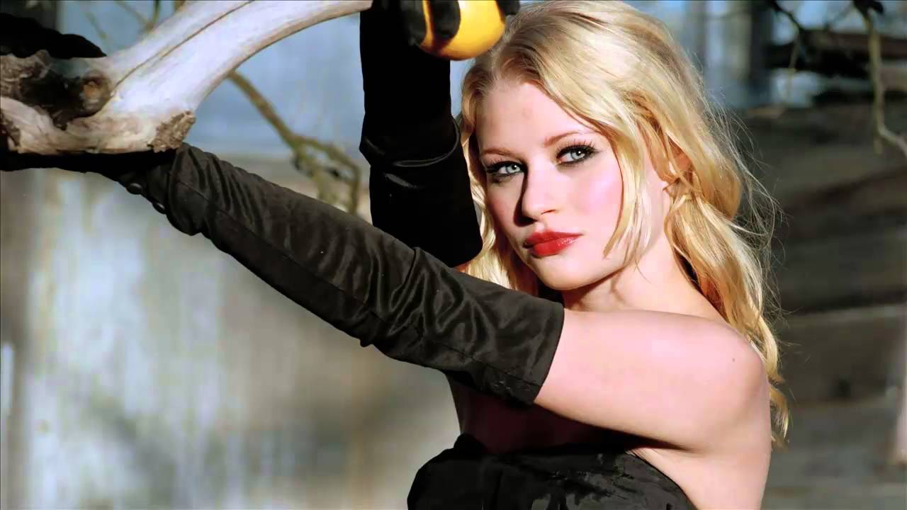 Download Sexy Emilie De Ravin