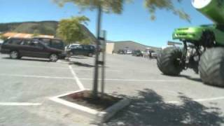 MASSIVE V REMOTE CONTROL MONSTER TRUCK - FULL SCALE
