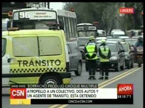 C5N - Transito: Borracho produjo choque multiple en Liniers (Parte 2)