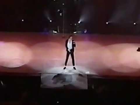 Michael Jackson Billie Jean Live In México Dangerous World Tour (1993) (+0.75 AudioPitch) 1080p60FPS