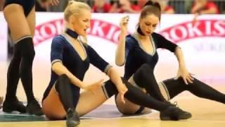 Выступление литовских болельщиц.   Вот как нужно поддерживать дух спортсменов!