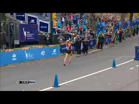 Shalane Flanagan wins the NYC Marathon, to become the first American woman to win the race in 40 yea