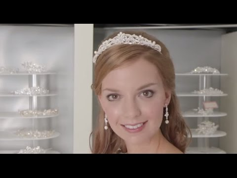 How To Wear A Tiara With Veil