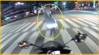 10496회. (충격영상주의) 빠르게 달리던 오토바이와…