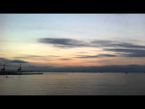 Today's sky over the north area of Osaka Bay at sunrise (using time-lapse App)