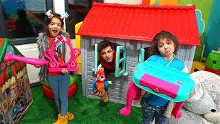 Makyaj Masası Kırıldı! Kids Pretend Play with Makeup Toys and Cute Vanity Table for Girls Makeover