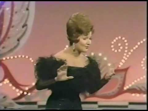 """Marilyn Maye Performs """"You're Gonna Hear From Me"""" & """"Cabaret"""""""