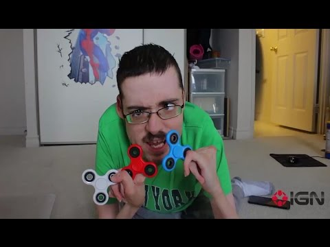 Thumbnail: FIDGET SPINNERS REVIEW ↩️ - Ricky Berwick