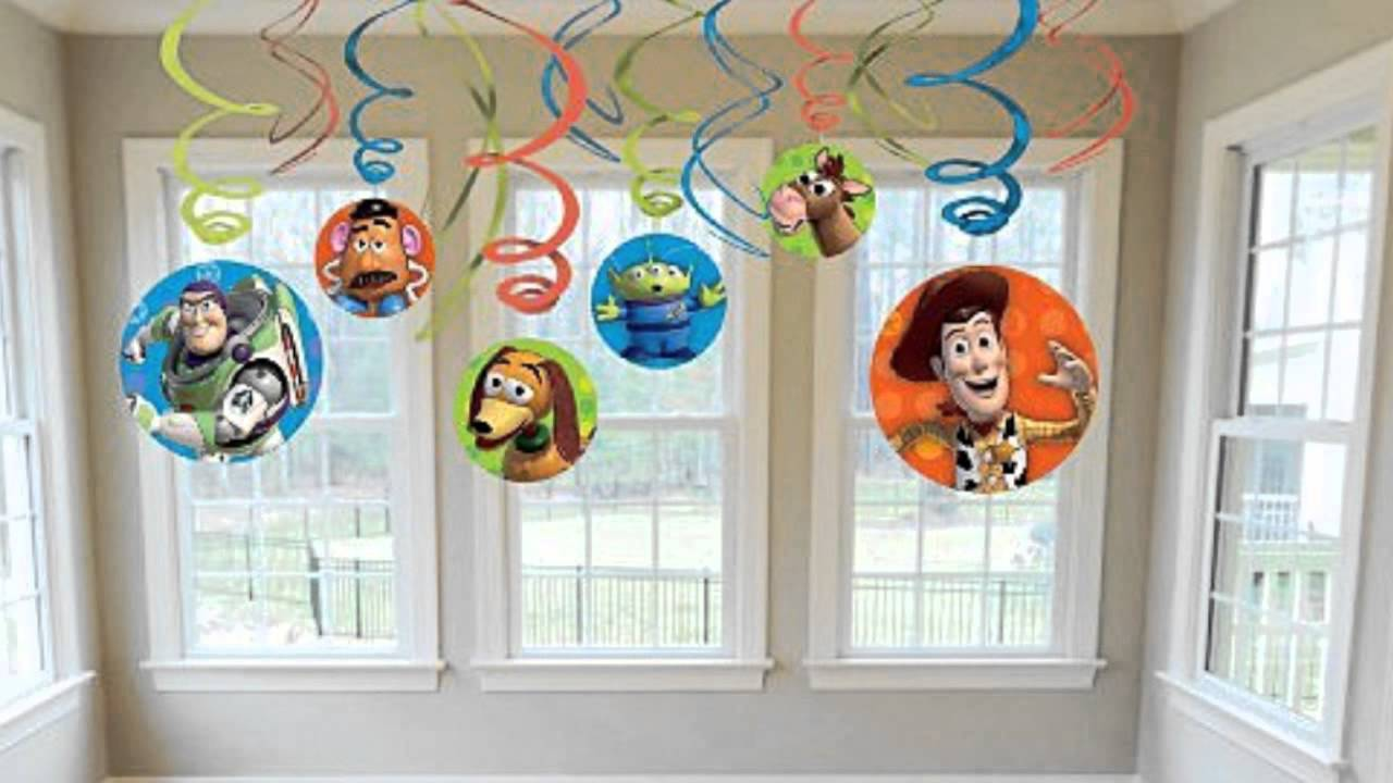 Toy story swirl decorations youtube for How to make ceiling decorations