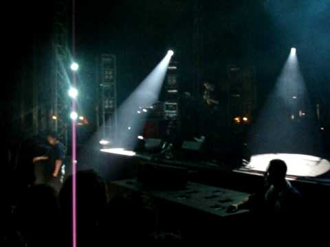 Crystal Castles  INTIMATE NEW SONG  at APW 2009!