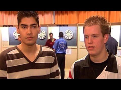 Michael van Gerwen and Jelle Klaasen Don't Talk Anymore feat. Cliff Richard