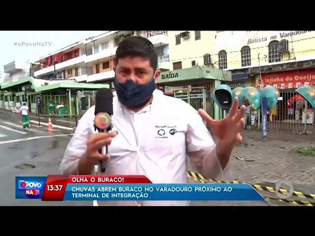 Chuvas abrem buraco no Varadouro próximo ao terminal de integração-    O povo na TV