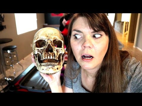 DECORATE FOR HALLOWEEN WITH ME | FAMILY OF 4 | STAY AT HOME MOM