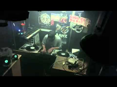 live show 6 16 12  djquick e  on the tables