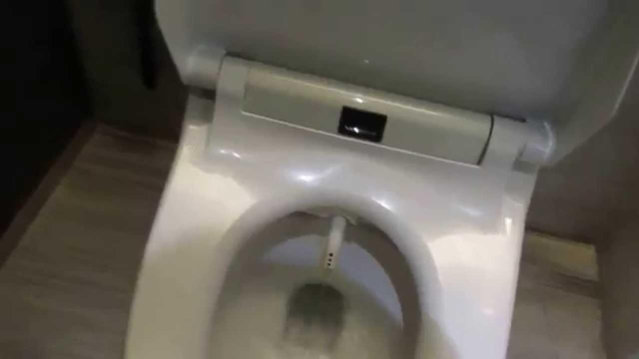Amazing luxury in hotel room - TOTO toilet & washlet - YouTube
