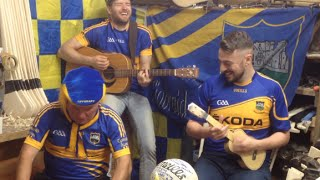 Video The 2 Johnnies - Tipp are winning matches, feat. Effin Eddie download MP3, 3GP, MP4, WEBM, AVI, FLV Desember 2017