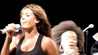 Amel Bent - Ma philosophie - Live Fos sur Mer (13) HD