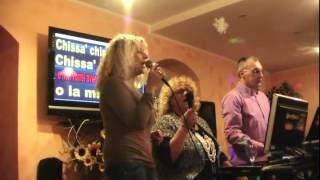 Qdk Karaoke CON IL NASTRO ROSA canta Eleonora